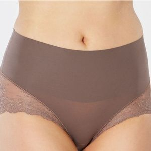 NWT Spanx Undie-tectable® Lace Hi-Hipster Panty